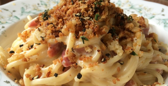 Carbonara with garlic breadcrumbs
